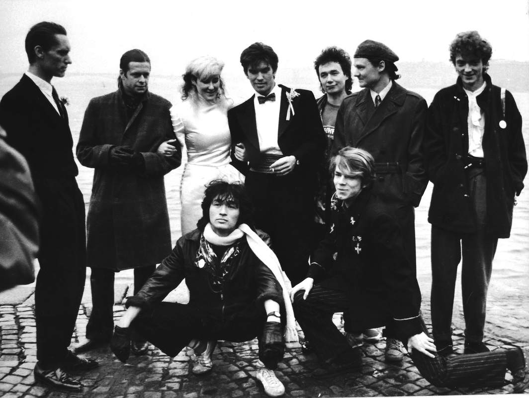 Gustav, Bioris, Stingray, Tsoi, Yuri, Tikomirov, Sfrika, Titov & Krisanov at the Neva River