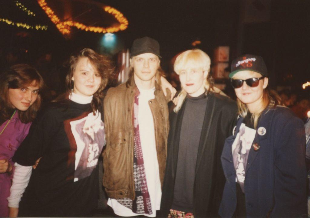 Stingray and Sasha with fans