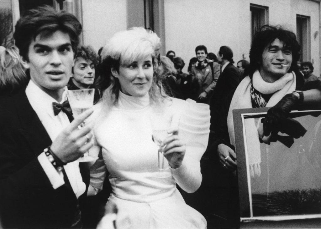 Yuri, Stingray & Tsoi outside of wedding palace Nov.2, 1987